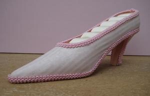 Schoen voor ringen laag model roze  per stuk